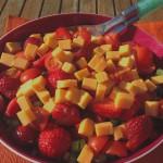 Sommersalat med jordbær og cheddar