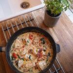 Cremet hvidløgskylling med glutenfri pasta
