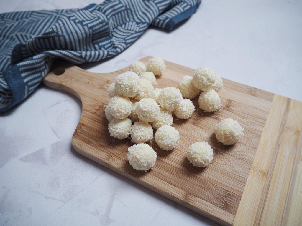 kokos trøfler med hvid chokolade